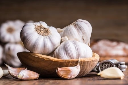 How-to-store-fresh-garlic