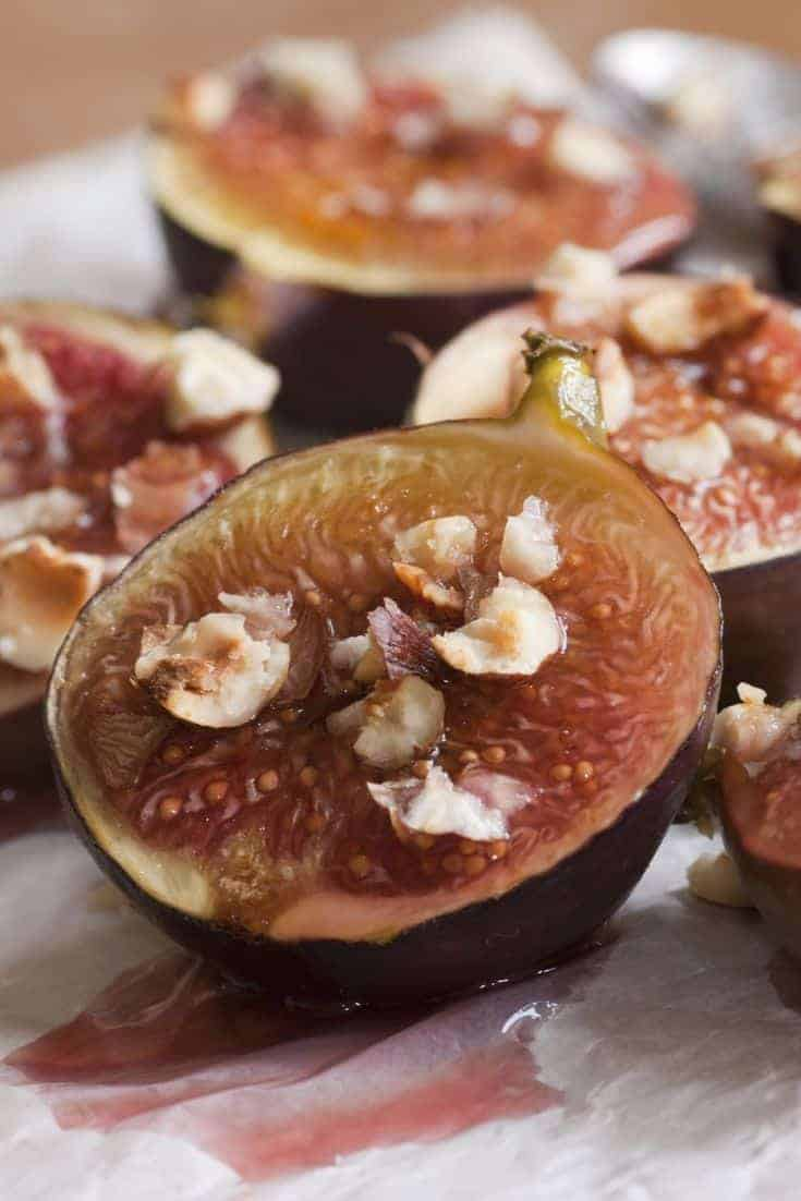 This quick and easy roasted figs recipe is sure to be another appetizer that you will make on a regular basis, especially if you love the taste of figs.  #Figs #Appetizer #Recipes