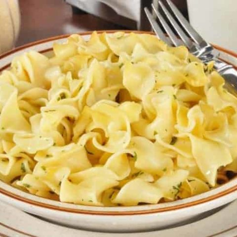 Buttered Noodles Recipe (Easy Side Dish)