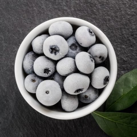How to freeze blueberries the right way