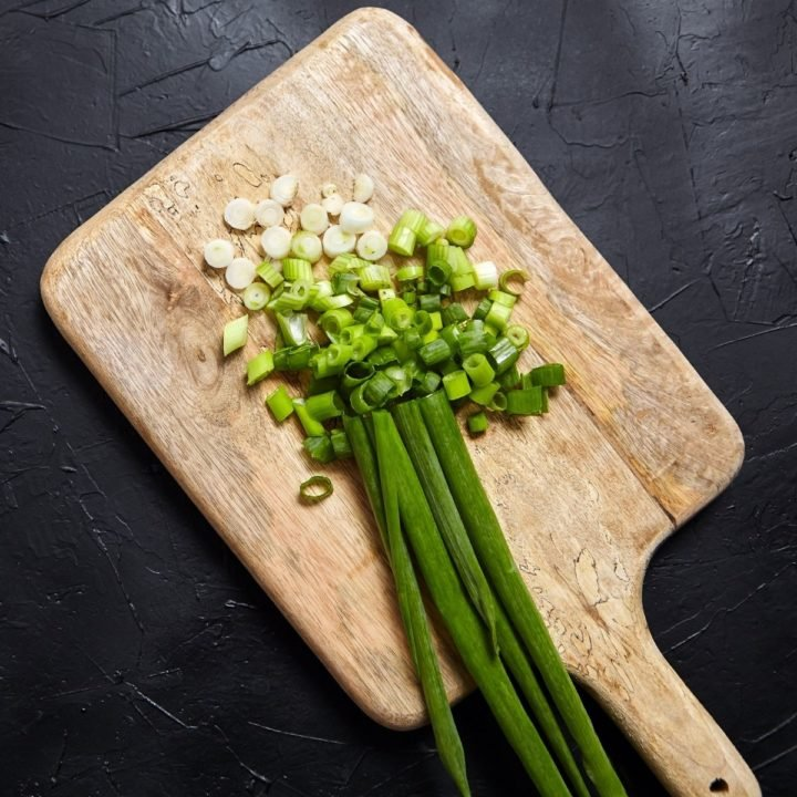 How to cut green onion