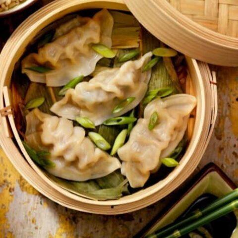 How to reheat steamed dumplings in a steamer