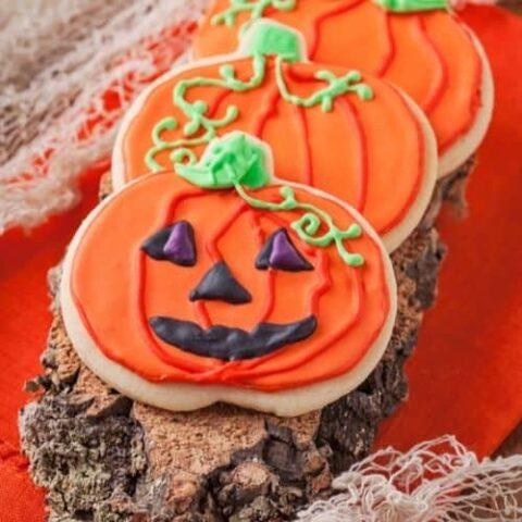 20 Hauntingly Good Halloween Cookies